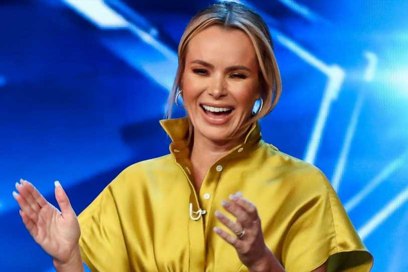Amanda Holden is a glamorous assistant in golden gown as ...
